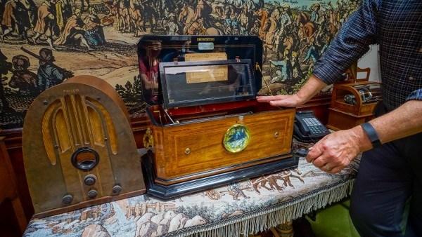 Self-Playing Music Machines at the Bayernhof