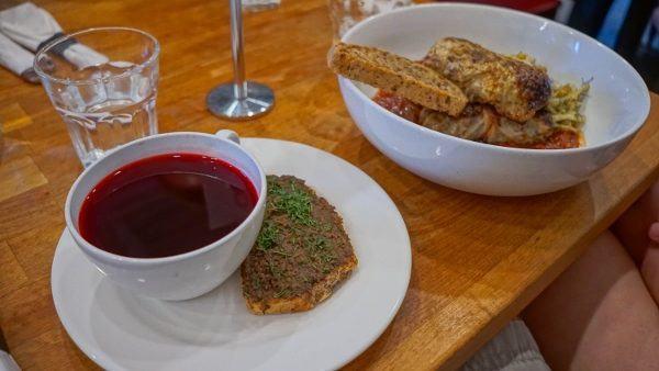 Borscht and Stuffed Cabbage at Apteka