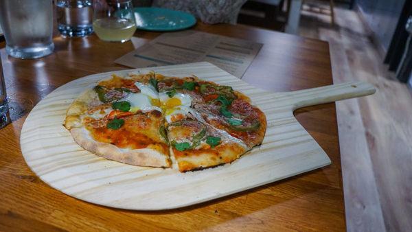 Pizza at Threadbare