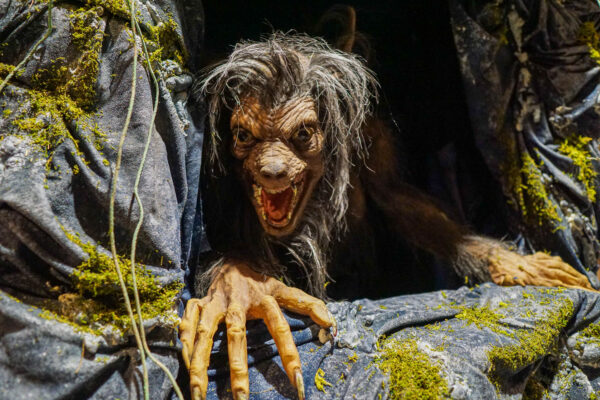 Don't you just want to pet this werewolf at ScareHouse?