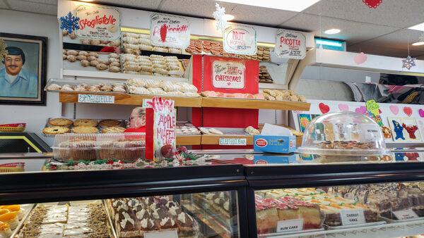 Moio's Italian Pastry Shop
