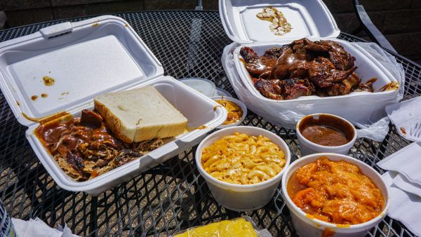 Showcase Barbecue in Homewood West