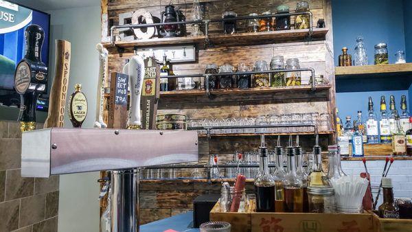 Leo bar in Pittsburgh