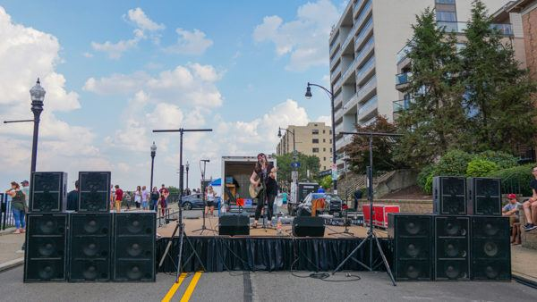Music on Grandview Ave for Party on the Mount