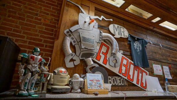 Mr Roboto Project